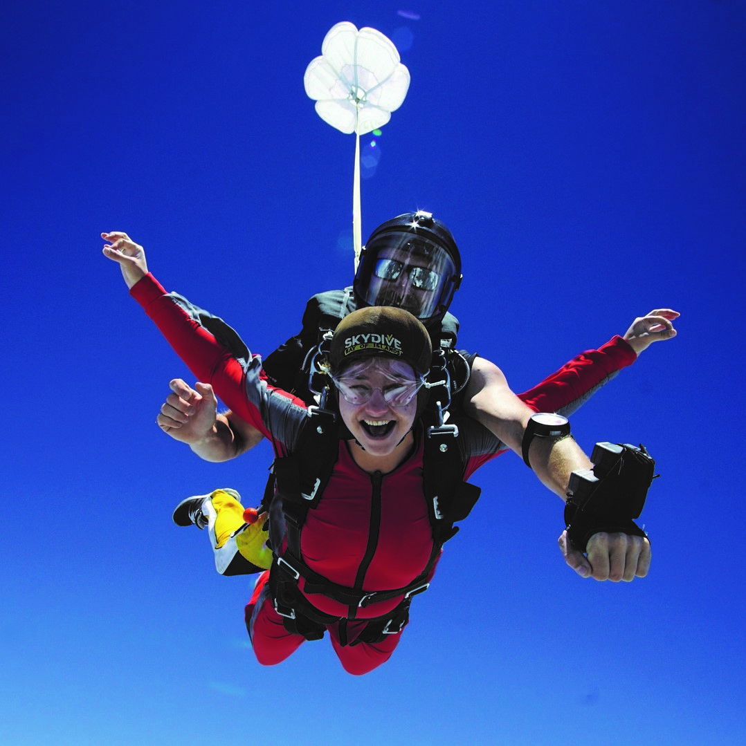 Shut opens during tandem Skydive Bay of Islands